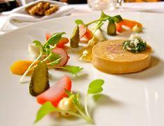 Как выглядит обед в лучшем ресторане мира  Фуа-гра с маринованными весенними овощами и редькой.