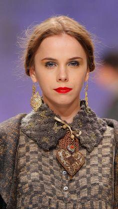 Woman : Tunic Peonie Simple Areia collo di lana con bottoni