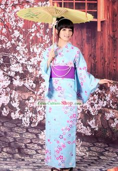 Fashion Friday- Traditional Japanese Fashion by TheStudentGallery ...