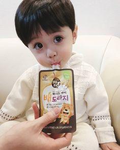 Cute Baby Boy, Cute Little Baby, Lil Baby, Little Babies, Little Boys, Cute Boys, Baby Kids, Cute Asian Babies, Korean Babies