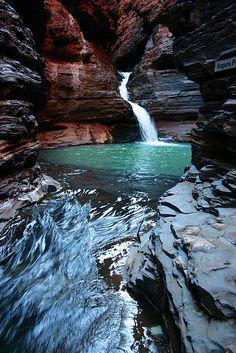 20 Top Tours: Ten-Day Perth to Perth via Ningaloo Reef and Karijini