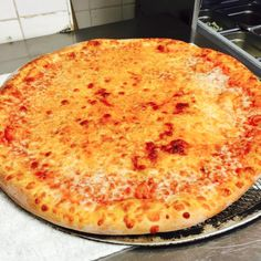 Cheese Pizza anyone?   www.CARMELLASPIZZERIA.com #hungryrhody #carmellaspizza #middletownri #newportri #salvereginauniversity #salveregina #narragansett #narragansettri #ri #401 #02842 #aquidneckisland #pc