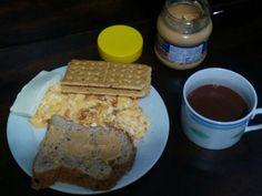 #fitness #proteina #fibra #mantequillademani #peanutbutter #cocoa #eggs #quesito #workout Después de un ayuno de 20 horas un merecido desayuno. #breakfast  #intermitentfasting