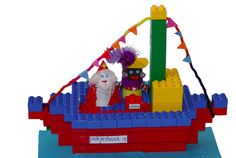 Constructie: Duplo - Pakjesboot 12 Lego Duplo, Diy For Kids, Crafts For Kids, Van Lego, Brick Art, Lego Craft, Saint Nicolas, Lego Projects, Playmobil