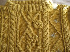 Ravelry: 634 - Pull Brode by Bergère de France