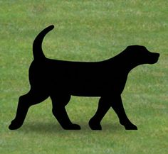 Black Lab Shadow Woodcrafting Pattern Everyone will do a double take when you display this life-size silhouette in your yard or on a building! #diy #woodcraftpatterns