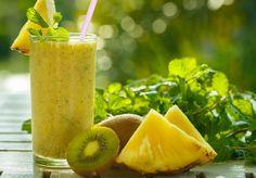 Il y a quelque temps, nous vous avions fait partager quelques recettes estivales de smoothies irrésistibles et fruités. Que diriez-vous d'en découvrir d'autres, parfaits à déguster pendant le petit-déjeuner ...