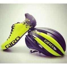 laicepssieinna:  From ciclismo_mundial - Bonito juego de zapato y casco Giro #girocycling #giro #ciclismo #cycling #green #edition http://ift.tt/1AW0v2UVive le Vélo