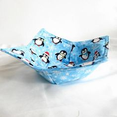 Microwave Potholder Bowl Cozy Penquin and Snowflake pattern in blue from Metal_Artistry on Artfire. Saved to artfire specials. #penquin #holiday #cozy #bowl #potholder #microwave.