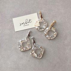 Resin Jewelry, Jewellery, Diy Crafts Hacks, Resin Crafts, Sorbet, Diamond Earrings, Jewelry Accessories, Fashion Jewelry, Bloom