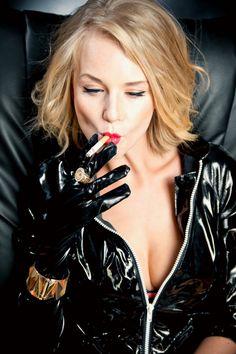 8dda919087087fda6d30be0669329459 women smoking sexy women