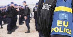 Die Merkel-Regierung verhindert nach wie vor umfassende Kontrollen an den deutschen Grenzen. Die EU ist nicht in der Lage, ihre Außengrenzen zu schützen. Aber jetzt sollen EU-Polizisten die Südgren…