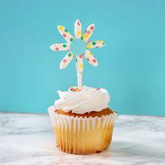 3 DIYs to make from Paper Straws - Karen Kavett Make Pictures, Cute Cupcakes, Paper Straws, Cupcake Toppers, Picture Frames, Diys, Desserts, How To Make, Handmade