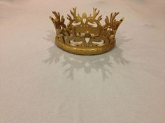 Game of Thrones: Joffrey Baratheons Crown #3D_Printing #GoT (I could totally make a tiny one out of a toilet paper roll and spray it gold. Then the baby could potentially wear it for a newborn photo!)