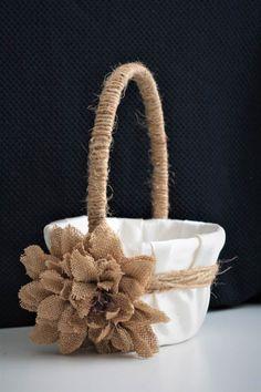 Rustic Wedding Basket / Rustic Flower Girl Basket / Shabby Wedding Flower Tips Flowers are symbols o Wedding Pillows, Ring Pillow Wedding, Burlap Flowers, Rustic Flowers, Rustic Wedding Rings, Wedding Set, Wedding Veils, Chic Wedding, Wedding Hair