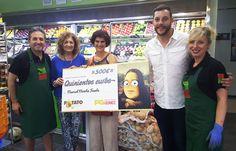 Entrega del premio de 500 € del sorteo del Rasca y Gana de Potato en Facebook. La ganadora ha sido una zaragozana compradora habitual de Potato y clienta de la frutería Hermanos San Vicente de Zaragoza.