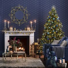 Have you decided how to decorate your home interiors? If not, get these amazing Christmas interior design ideas for your home to make it beautiful and attractive! Green Christmas, Christmas Colors, Christmas Home, Christmas Decorations, Holiday Decor, Xmas, Christmas Trees, Christmas Stuff, Merry Christmas