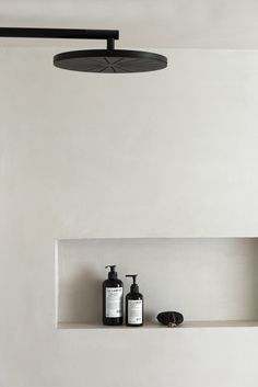 black shower head by VOLA round head sho. - Matt black shower head by VOLA round head sho. -Matt black shower head by VOLA round head sho. - Matt black shower head by VOLA round head sho. Minimal Bathroom, White Bathroom, Bathroom Interior, Modern Bathroom, Bathroom Storage, Chic Bathrooms, Beautiful Bathrooms, Small Bathroom, Bad Inspiration