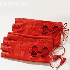 Hermés leather glove for spring
