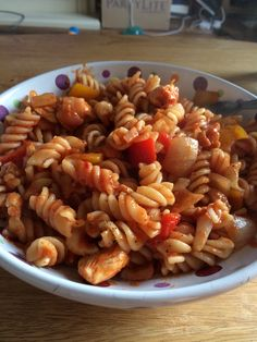 Chilli chicken and pepper pasta - super quick and syn free Pepper Pasta, Syn Free, Slimming World, Stuffed Peppers, Chicken, Ethnic Recipes, Food, Stuffed Pepper, Essen