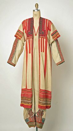 Ensemble Date: century Culture: Russian Medium: (a) linen (b, d) cotton (c… Vintage Dresses, Vintage Outfits, Vintage Fashion, Historical Costume, Historical Clothing, Costume Russe, Costume Ethnique, Folk Clothing, Mode Boho