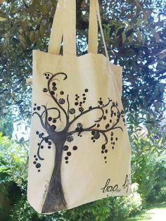 6a8edd40e2 20 fantastiche immagini su Tote bag - shopper - tessuti disegnati e ...