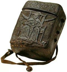 Astuccio porta libro/ Medieval book case