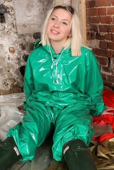 I have just pooped in my rain suit and smells lovely. I have been sealed up in this suit and locked up in this cellar for 9 months and makes me so happy and horny that I rub myself through the suit to huge orgas 12 times a day. Vinyl Raincoat, Pvc Raincoat, Imper Pvc, Rain Fashion, Wellies Rain Boots, Green Raincoat, Vinyl Clothing, Country Wear, Rain Suit