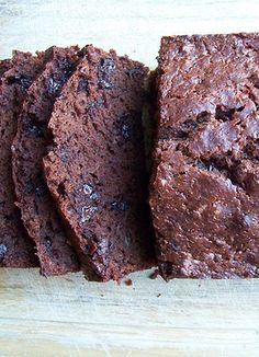 Freezer-Friendly Chocolate Banana Bread -- this is SO yummy!