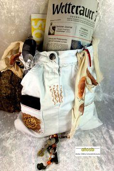 """*Unikat von up4kids*  *Schultertasche """"Rose auf Weiß""""* aus der Reihe """"Taschen mit Erinnerung""""  """"Ich bin eine Upcycling-Tasche. Mich gibt es nur einmal""""    Wunderschöne, zarte Schultertasche, mit..."""