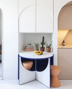 """1,859 Me gusta, 18 comentarios - Dana Tomic Hughes (@yellowtrace) en Instagram: """"Measuring just 11sqm (no, that's not a typo) this super chic micro-apartment in Paris by…"""""""