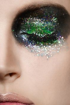 black silver green glitter eyes makeup 1