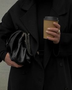 Classy Aesthetic, Aesthetic Photo, Aesthetic Pictures, Aesthetic Coffee, Aesthetic Fashion, Look Fashion, Fashion Outfits, Womens Fashion, Looks Vintage