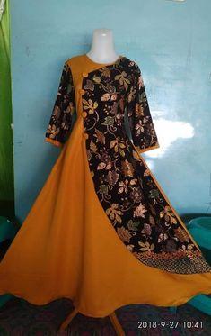 Batik Fashion, Abaya Fashion, Muslim Fashion, Fashion Dresses, Model Dress Batik, Batik Dress, Indian Gowns Dresses, Pakistani Dresses, Dress Brukat