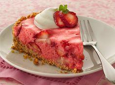 Fluffy Strawberry Pie with Pretzel Crust – Food Recipes