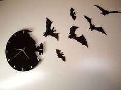 Horror Society: Besondere Modern Wanduhr in Fledermaus Desing Posted in: home decor on www. Goth Home, Gothic Home Decor, Gothic House, My New Room, City Art, Macabre, Favorite Holiday, Halloween Decorations, Spooky Decor