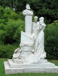 Parc Monceau ~ monument à Charles Gounod (1818 –1893) French composer, known for his Ave Maria as well as his operas Faust and Roméo et Juliette. (Next to his bust are the personages of his operas: Mireille (Mireille), Juliette (Romeo & Juliette) and Marguerite (Faust))