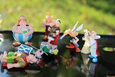Vari personaggi Kinder Asterix e, Obelix e tutti suoi amici. - articoli per bambini Padova