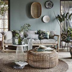 Début juillet j'ai découvert les magnifiques images du bureau de la blogueuse et décoratrice d'intérieur Holly Marder. Holly travaille de chez elle et a réussi...
