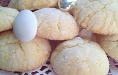 I dolci sospiri al limone sono dei dolcetti profumati, morbidi e che si preparano velocemente. Ecco la ricetta ed alcuni consigli utili
