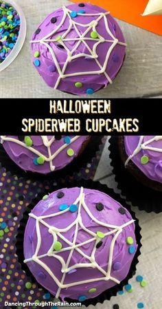 Halloween Cupcakes Decoration, Halloween Cupcakes Easy, Halloween Cookies Decorated, Halloween Treats For Kids, Halloween Sweets, Halloween Baking, Theme Halloween, Halloween Birthday, Easy Halloween