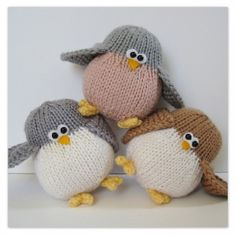 Juggle birds nest and eggs toy knitting patterns Amanda Berry - Fluffandfuzz on Misi Just love these - and they come with a nest too xx
