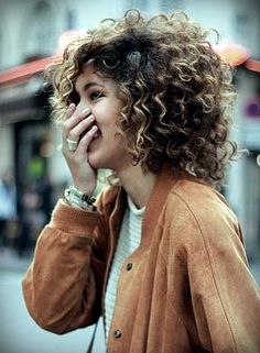 A round banana clip for thick curly hair that isn't shaped like a banana. No hair damage. PuffCuff is the perfect tool for natural curly hair. Cool Haircuts For Girls, Haircuts For Curly Hair, Curly Hair Cuts, Girl Haircuts, Short Hair Cuts, Curly Hair Styles, Natural Hair Styles, Short Curls, Curly Short