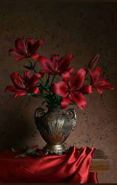 24 Ideas flowers photography still life art for 2019 My Flower, Flower Vases, Flower Art, Art Flowers, Flower Room, Colorful Flowers, Painting Still Life, Still Life Art, Arte Floral