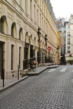 Rue de Beaujolais, Paris I