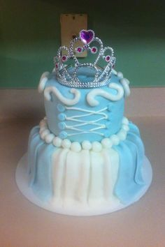 Cinderella cake! Super cute! Second birthday theme!! Cinderella or Minnie Mouse...