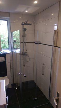 Drehfalttüreneckeinstieg, ideal für das kleine Bad!