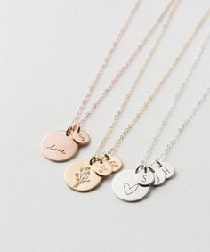 Personalized Disk Necklace with Tiny Initial Tags - Custom Kids Initials Gift for Mom - Gold, Silver or Rose - - Große Scheibe Halskette mit Custom erste Stichwörter in Silber, Gold Fill oder Rose Gold. Gold Disc Necklace, Silver Necklaces, Jewelry Necklaces, Necklace Set, Silver Earrings, Silver Jewelry, Necklace With Initials, Jewellery Box, Silver Ring