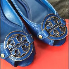 """Authentic TORY BURCH Amanda wedges Authentic Colbalt Blue Tory Burch Slip ons, open toe.. They have a 1.5"""" heel. They are the Amanda's features a metal T logo, they are leather upper, color is cobalt/sapphire Blue. Size is 6, worn like 3xs the most.. Tory Burch Shoes Wedges"""