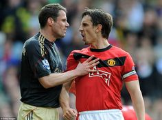 Gary Neville shares his opinion with Jamie Carragher [2010 UTDv.LFC]